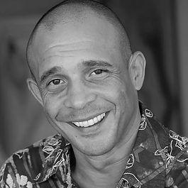 Carlos Cesar Alves-bio.jpg