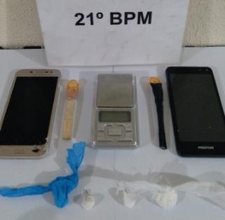 PM prende homem acusado de tráfico e apreende cocaína em Marmeleiro