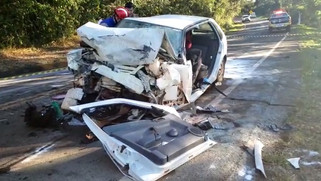 Mulher morre em grave acidente na PR-182