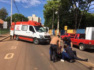 Jovem fica ferida após sofrer queda de motocicleta