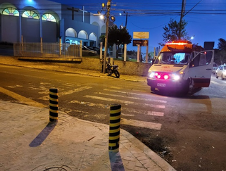 Acidente entre moto e ônibus deixa rapaz ferido em Francisco Beltrão