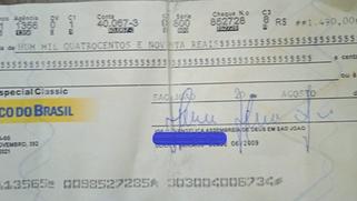 Mulher passa cheque clonado da Igreja Assembleia de Deus
