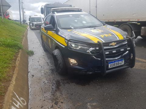 Viatura da PRF é atingida por 10 tiros de fuzil em confronto em Ponta Grossa