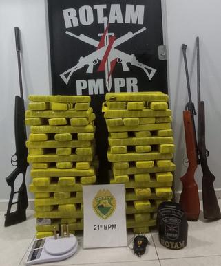 ROTAM apreende quase 83 Kg de maconha, três armas e prende três acusados de tráfico