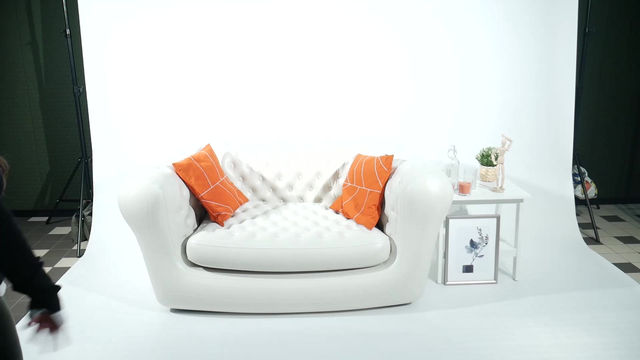 The Big White Couch | ING