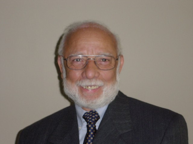 Photograph of Prof. Julio Arboleda-Florez