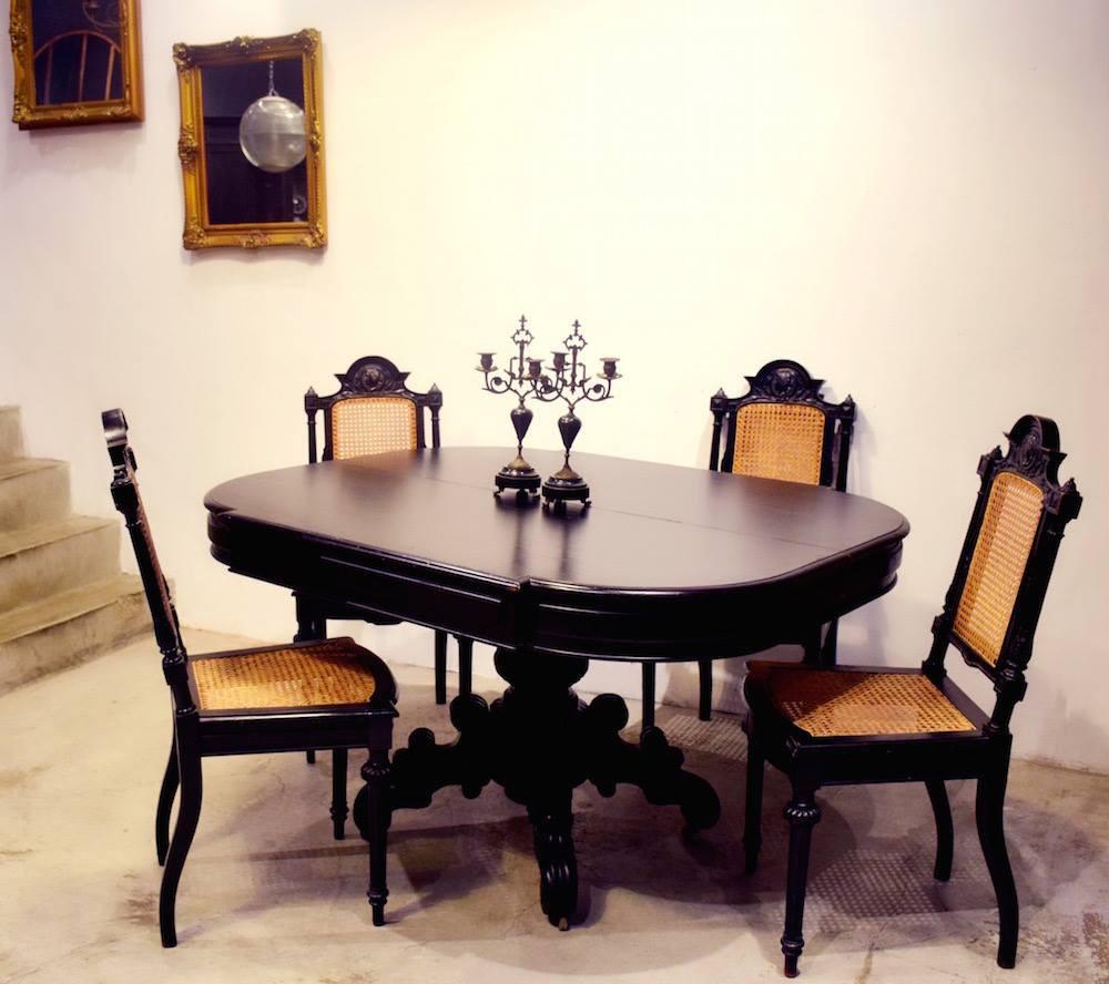 法國拿破崙 III 世手雕餐桌椅,