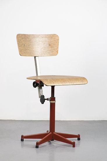 法國工業椅