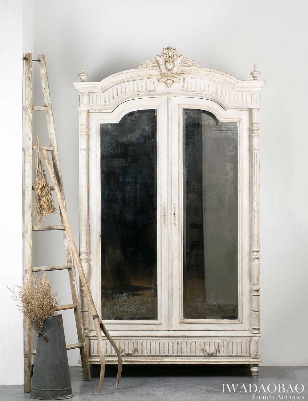 法國古董橡木鏡櫃