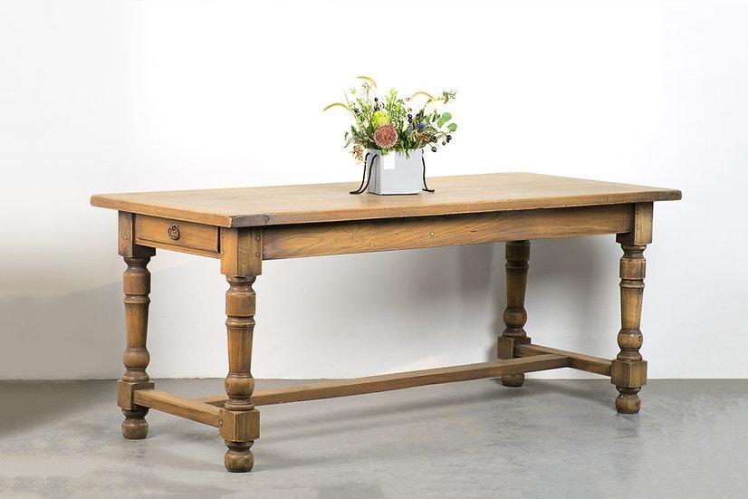 歐洲古董餐桌子