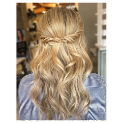 Amazing #prom styling by _hairby_katiem