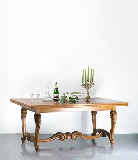 歐洲古董餐桌
