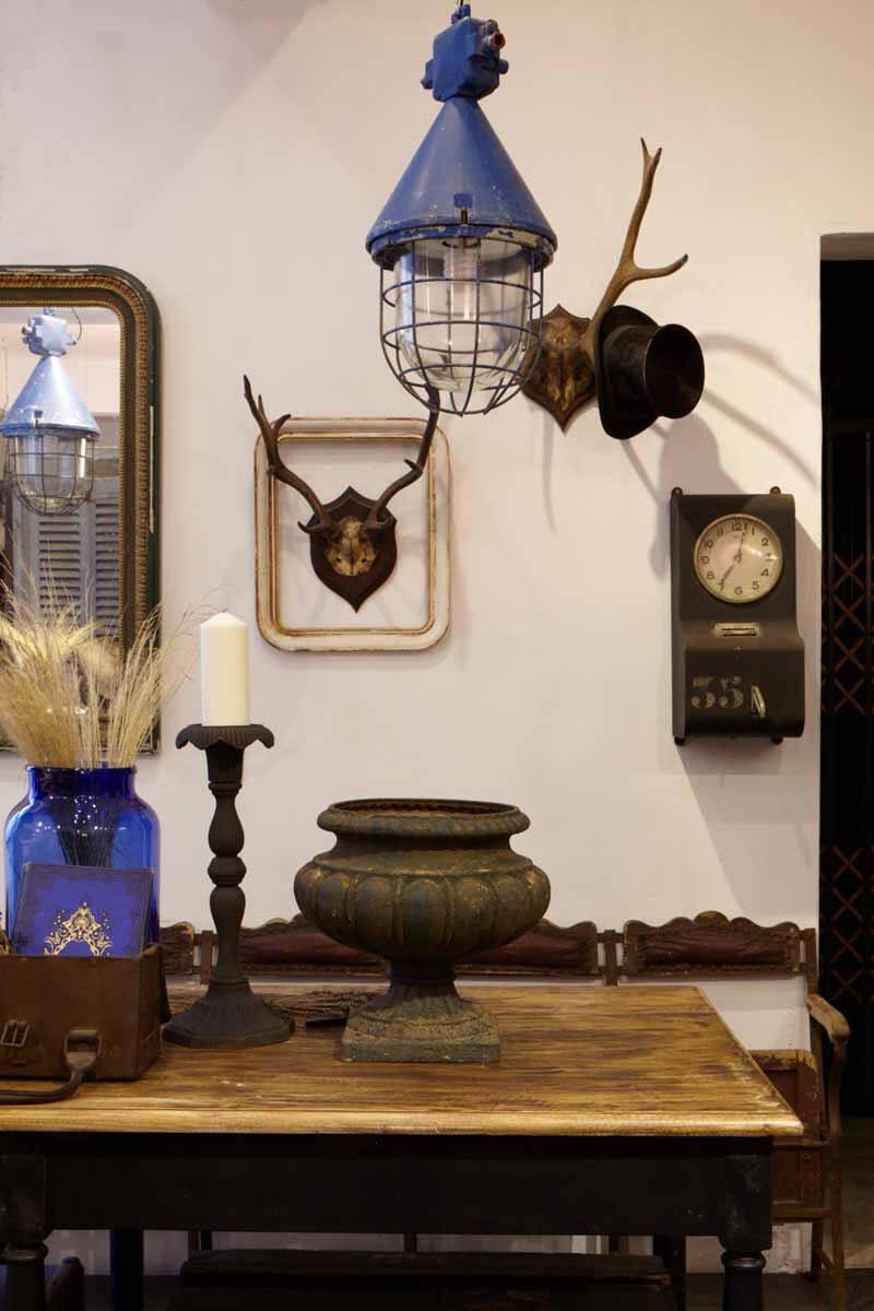 工業老件, 法國古董家具