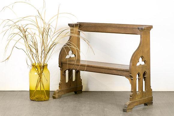 歐洲哥德式教堂古董椅