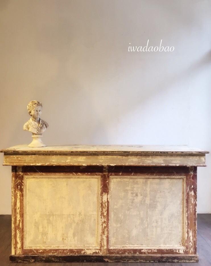 法國白色古董櫃檯