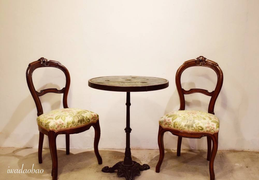 法國鑄鐵圓桌