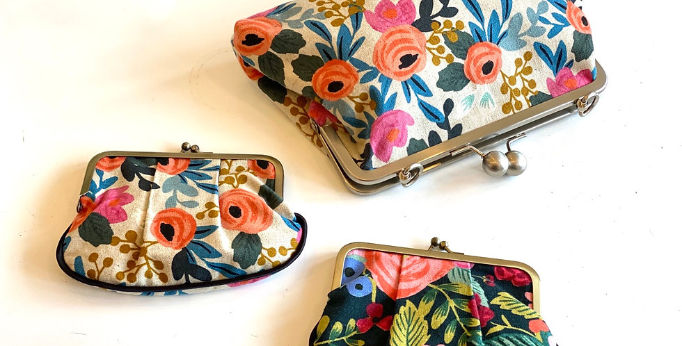 Floral pleated coin purse