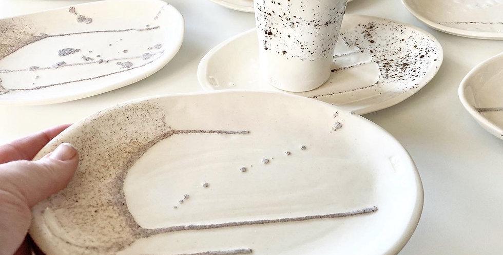 Ceramic plate - local sands