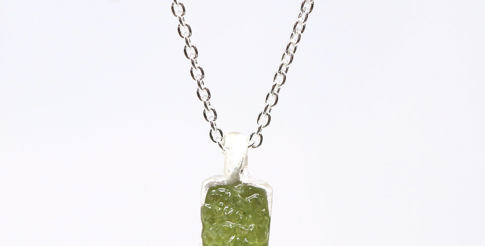 Pendant  - Sterling silver and peridot
