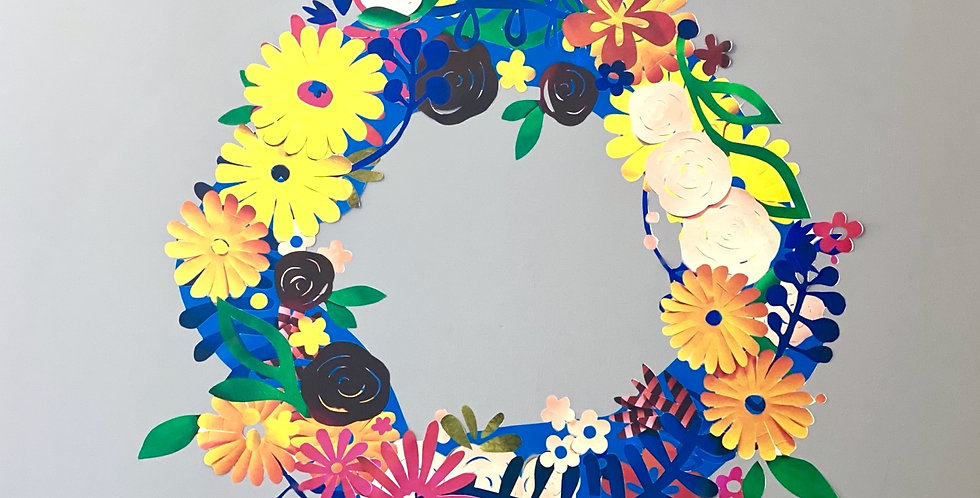 Restickable floral wreath