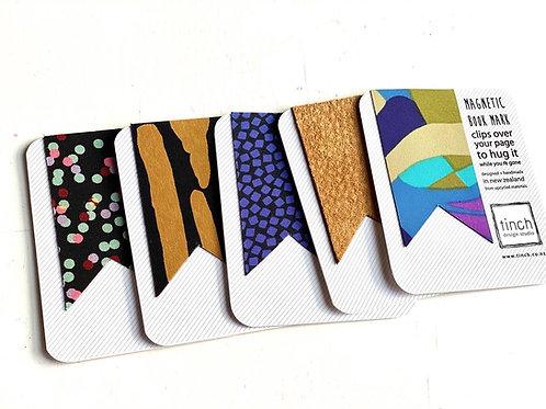 Magnetic bookmark [M]