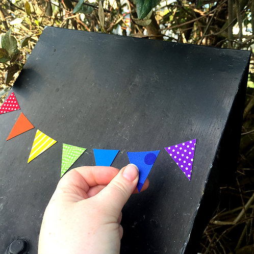 Letterbox bunting [M]