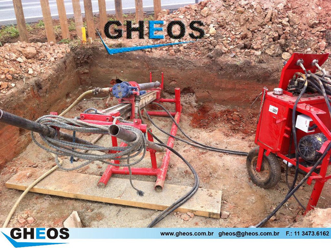 Perfuração para Instalação de Tirantes (2)