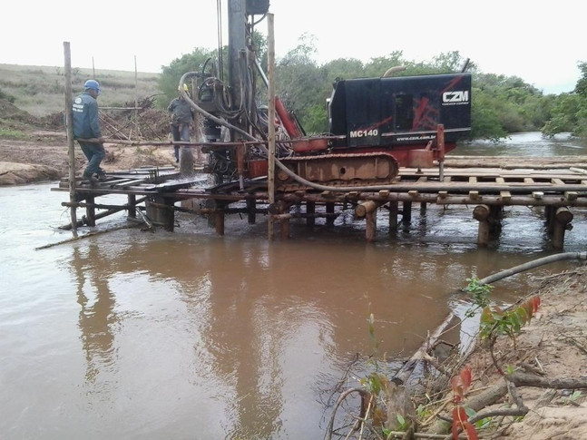 Serviços de Estaca raíz para pontes