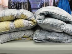 羽毛布団のクリーニングも自社工場で!