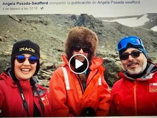 ¡Un saludo de cumpleaños desde la Antártida! / A birthday hello from The Ice