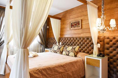 Apartamento com Hidro em Gramado - Hotel Cabanas Tio Muller