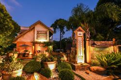 Fachada Hotel Cabanas Tio Muller em Gramado