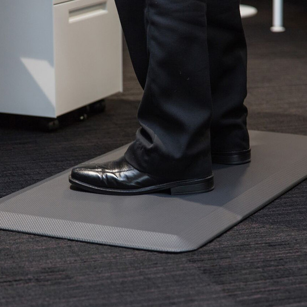 anti-fatigue-mat-standing-work1.jpg