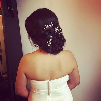 Première mariée de l'année! Coiffure jou