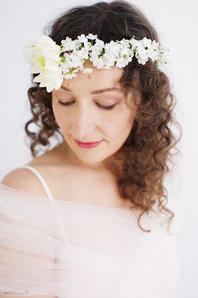 Couronne de fleurs blanches mariée