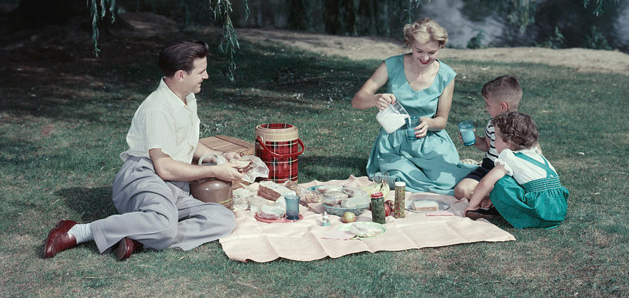 1950s-family-mother-father-son-daughter-vintage-images.jpg