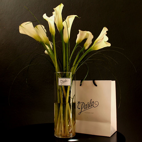 Cam Vazolu Beyaz Gala Buketi