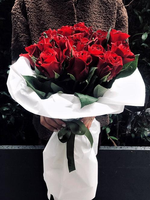 Sevgililer Günü Milaj Kağıtta Romantik Aşk Buketi