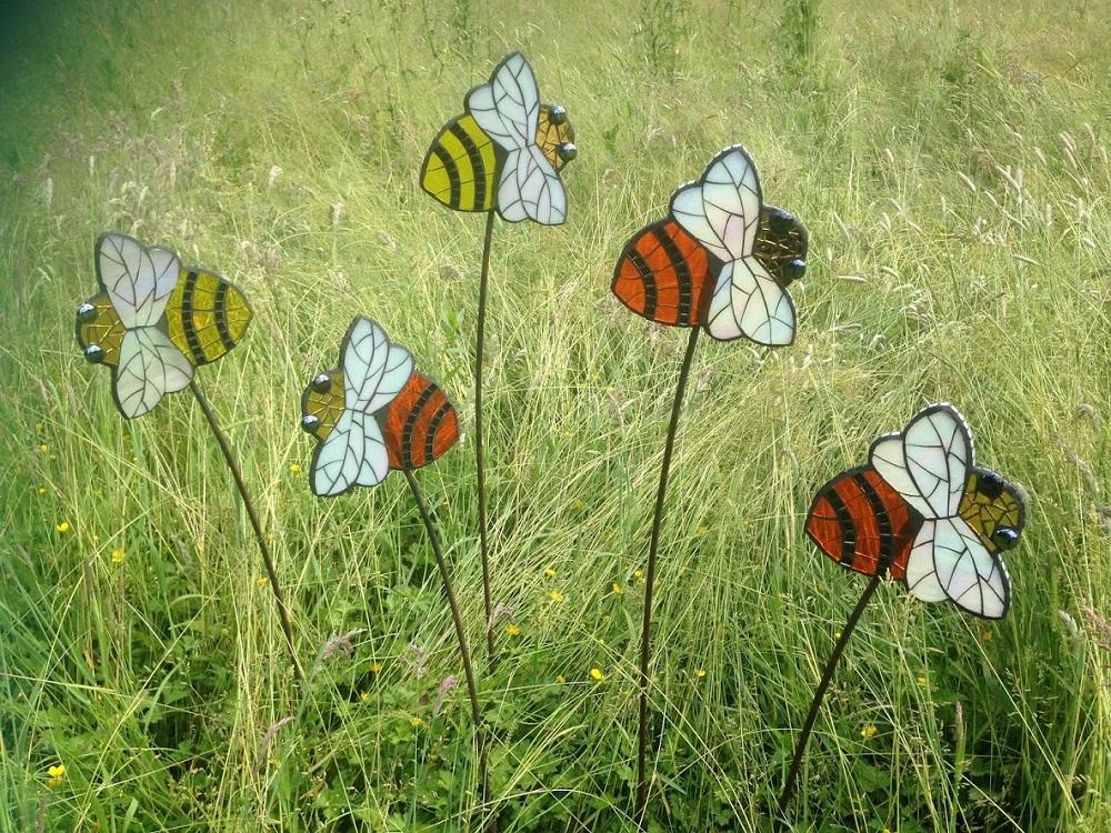 wildlife garden- bees- garden gift