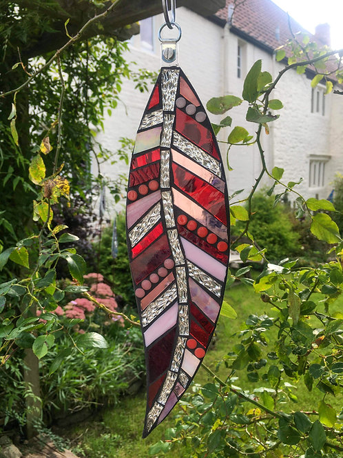 Hanging Garden Feather: Red/ Pink