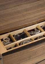 Small jewellery chest of drawers