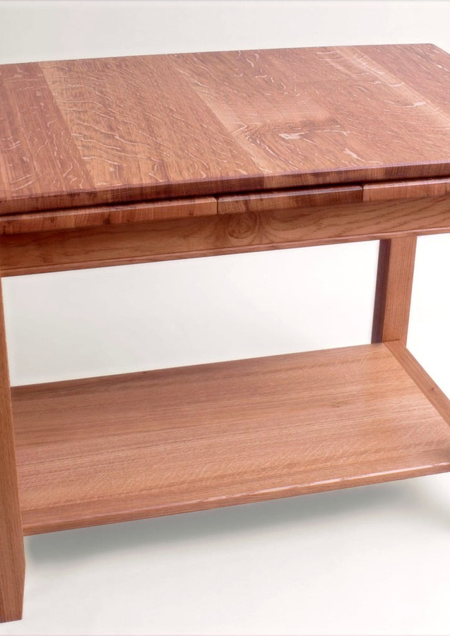 Extending coffee table made from oak.