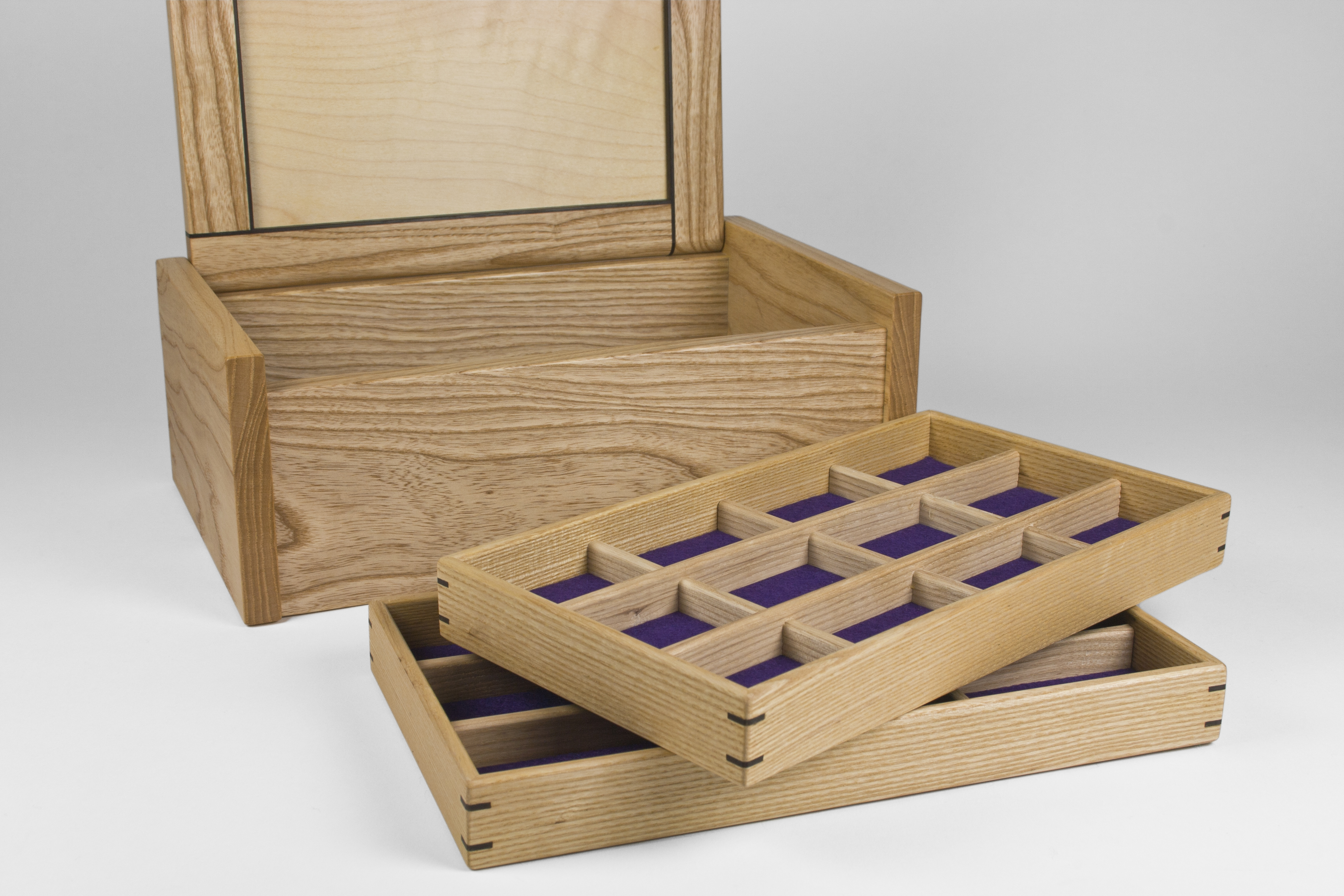 Box with two jewellery storage trays
