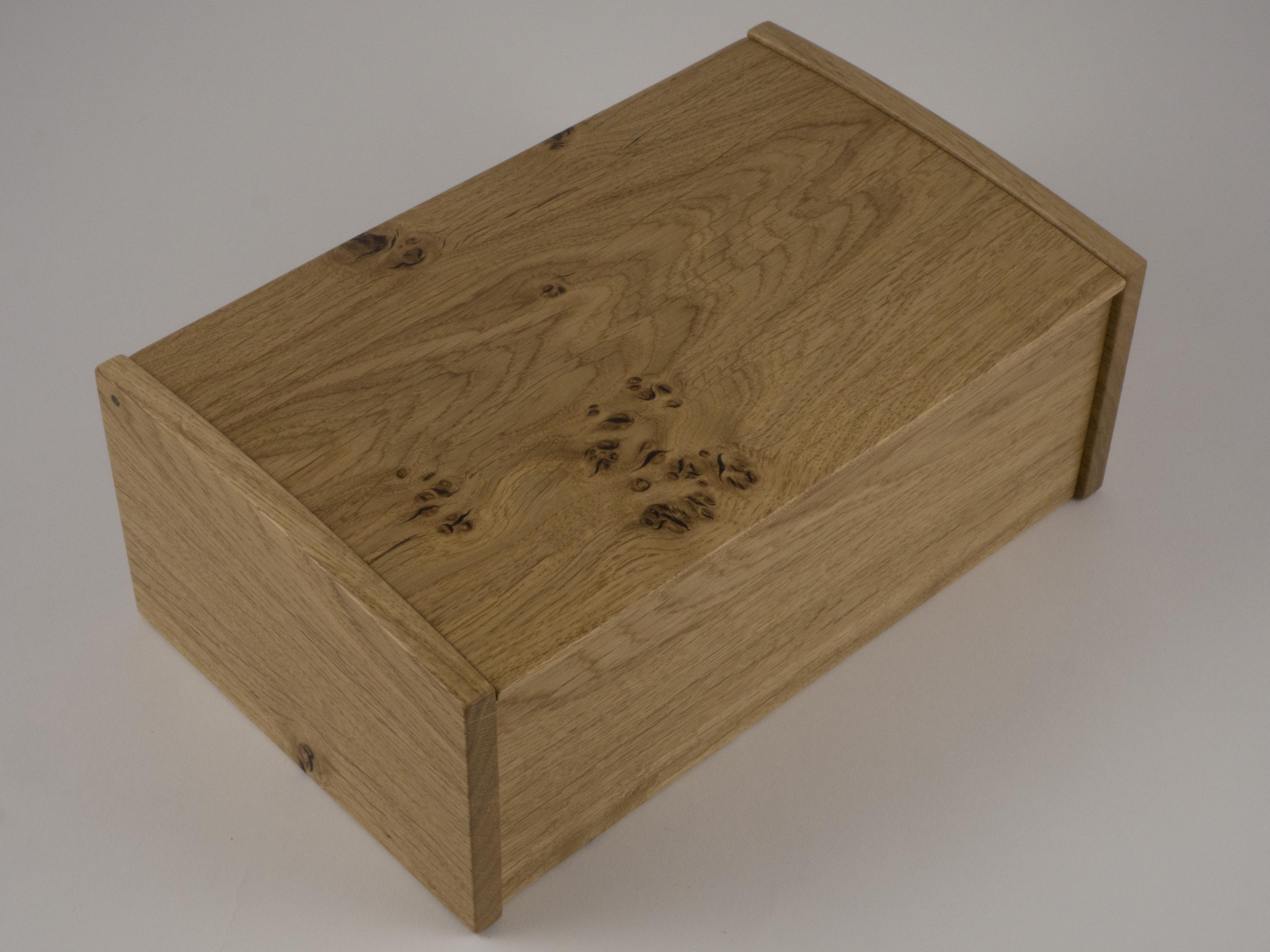 Overhead picture of the oak jewellery box