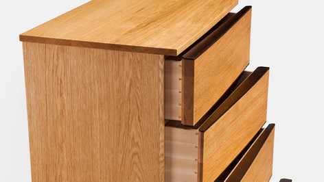 Oak left-right chest of drawers
