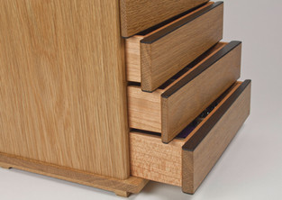 Curved front jewellery chest of drawers