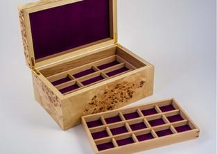 Poplar jewellery box