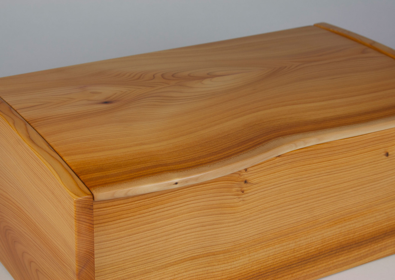 Curved lid yew jewellery box