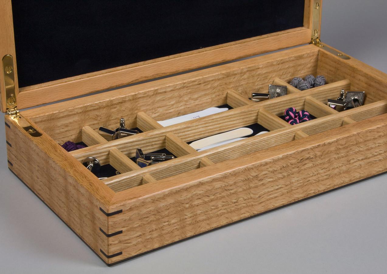 Jewellery storage inside the box