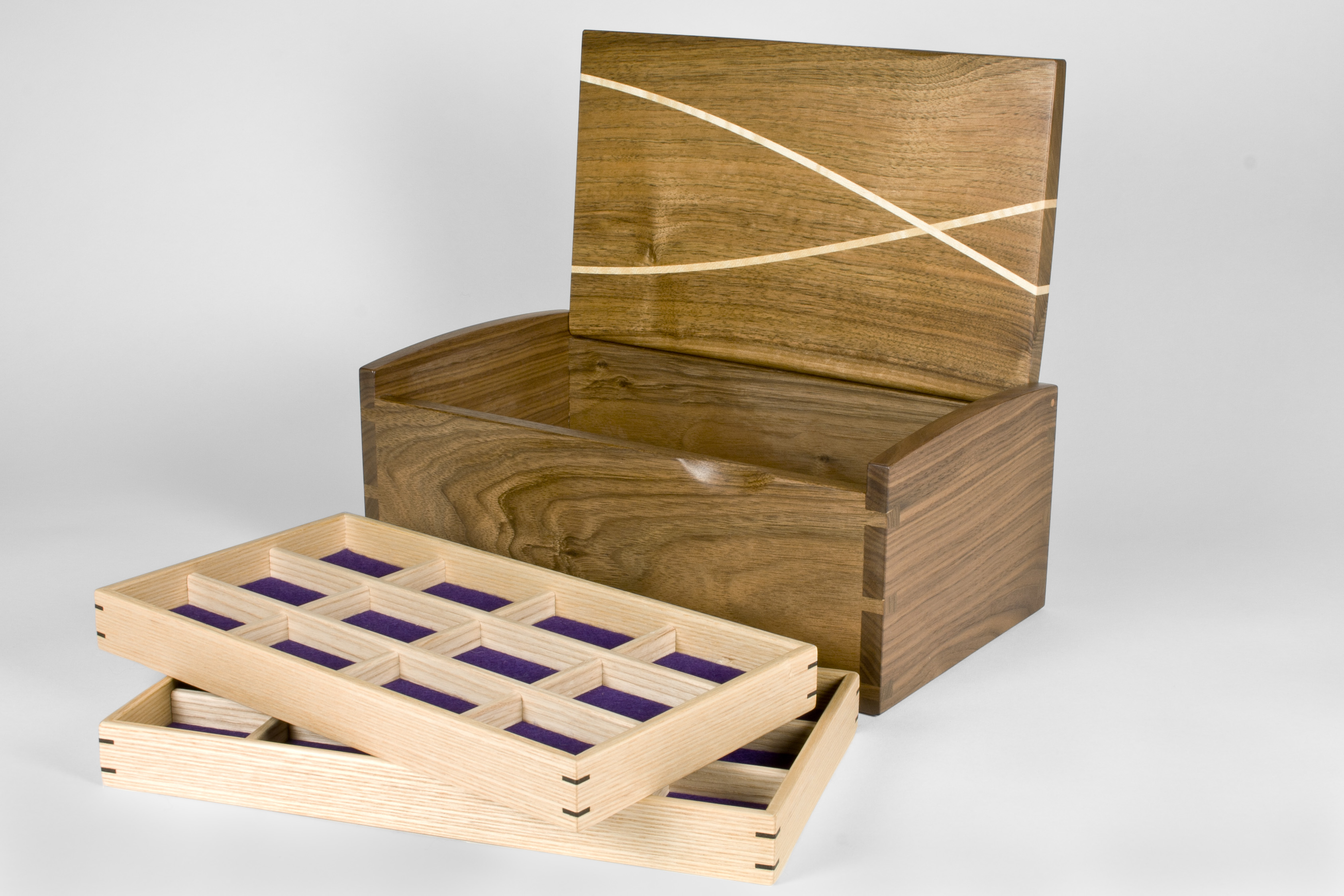 The box has two jewellery trays